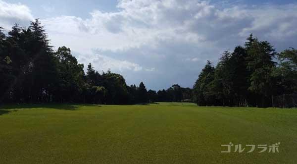 沼津ゴルフクラブの愛鷹6ホールの2打目
