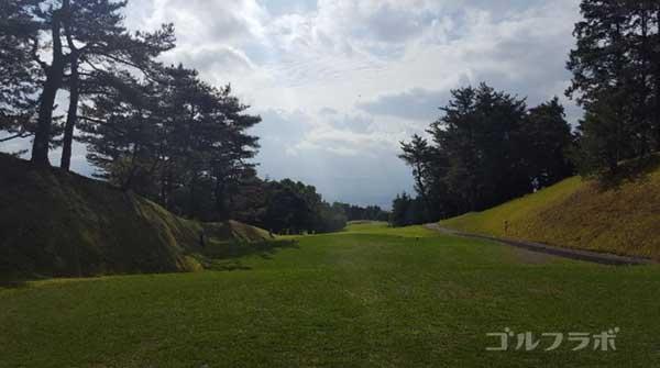 沼津ゴルフクラブの愛鷹7ホールのティーグラウンド