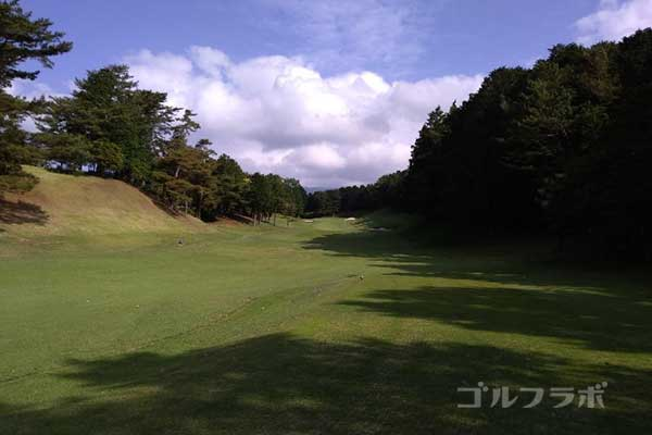 沼津ゴルフクラブの伊豆4ホールのティーグラウンド