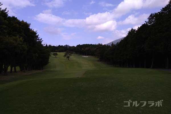 沼津ゴルフクラブの伊豆7ホールのティーグラウンド