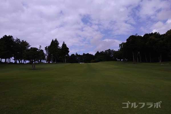 沼津ゴルフクラブの伊豆7ホールの2打目