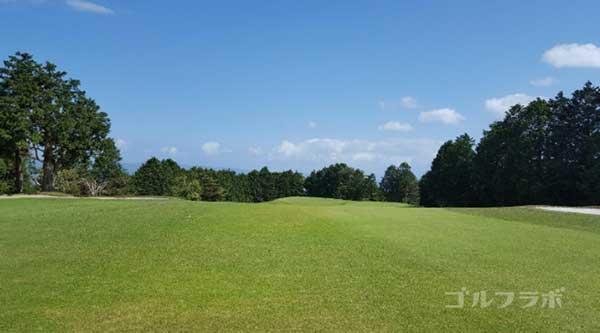 沼津ゴルフクラブの駿河1ホールの2打目