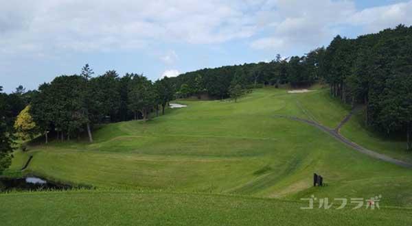 沼津ゴルフクラブの駿河6ホールのティーグラウンド