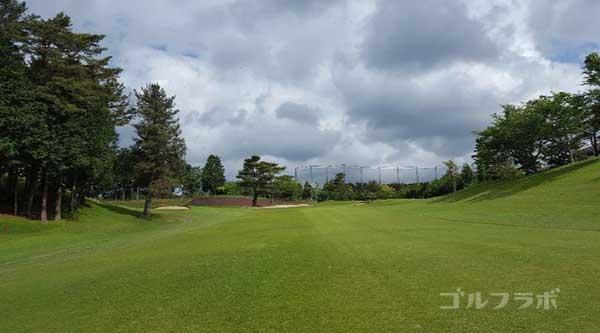 沼津ゴルフクラブの駿河9ホールの2打目