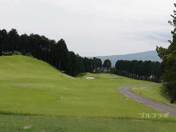 レンブラントゴルフ倶楽部御殿場の富士コース1番ホールのレディースティ