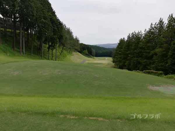 レンブラントゴルフ倶楽部御殿場の富士コース2番ホールのティーグラウンド