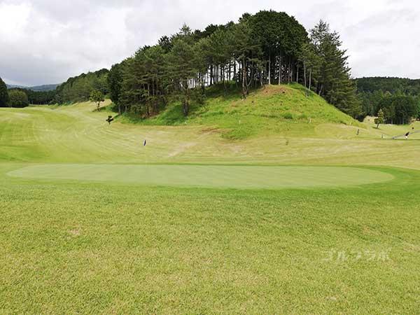 レンブラントゴルフ倶楽部御殿場の富士コース2番ホールのグリーン
