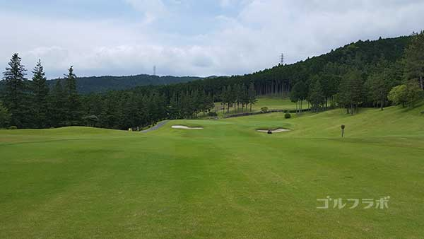 レンブラントゴルフ倶楽部御殿場の駿河コース2番ホールの2打目