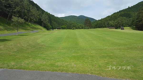 レンブラントゴルフ倶楽部御殿場の駿河コース3番ホールの3打目