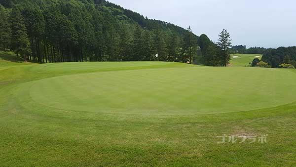 レンブラントゴルフ倶楽部御殿場の駿河コース3番ホールのグリーン