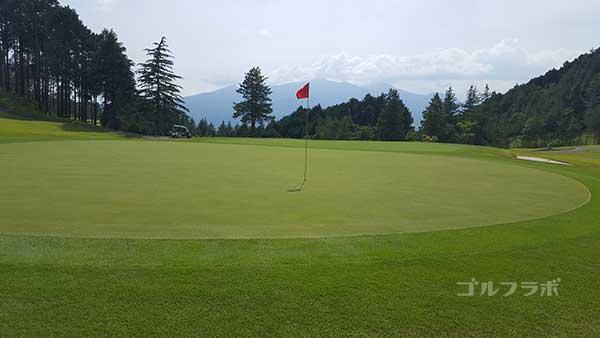 レンブラントゴルフ倶楽部御殿場の駿河コース5番ホールのグリーン