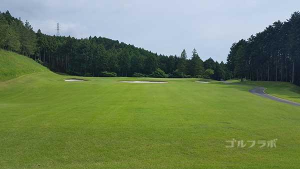 レンブラントゴルフ倶楽部御殿場の駿河コース7番ホールのティーグラウンド