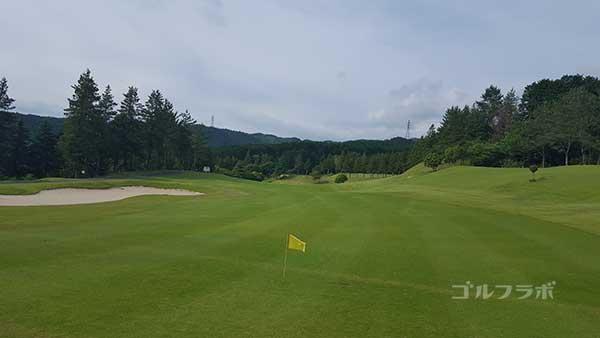 レンブラントゴルフ倶楽部御殿場の駿河コース9番ホールの2打目