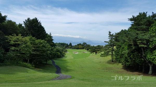 凾南ゴルフ倶楽部の13番ホールのティーグラウンド