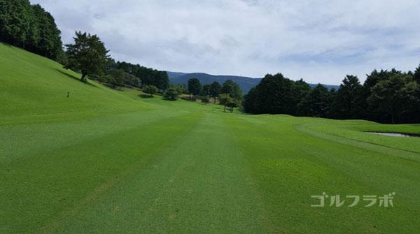 凾南ゴルフ倶楽部の16番ホールの2打目
