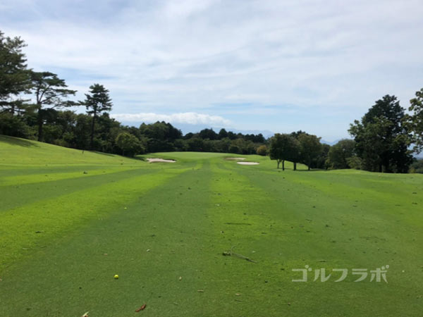 凾南ゴルフ倶楽部の2番ホールの2打目