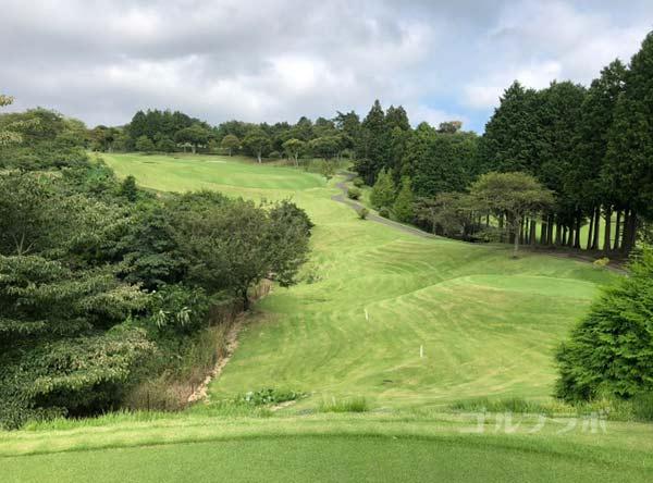 凾南ゴルフ倶楽部の9番ホールのティーグラウンド