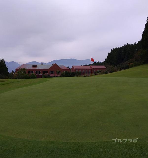 G8富士カントリークラブの18番ホールのグリーン