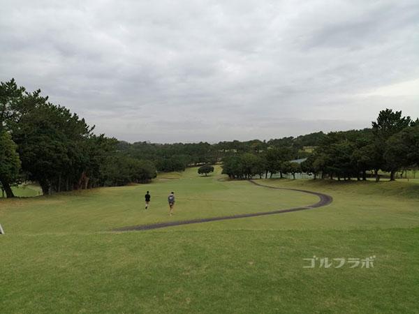 鎌倉パブリックゴルフ場の10番ホールのレディースティ