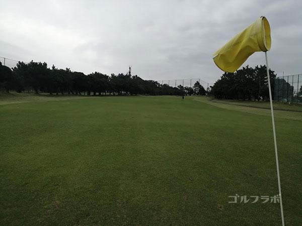 鎌倉パブリックゴルフ場の18番ホールの2打目