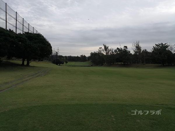 鎌倉パブリックゴルフ場の6番ホールのレディースティ