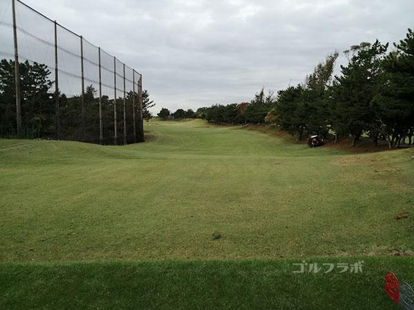 鎌倉パブリックゴルフ場の7番ホールのレディースティ