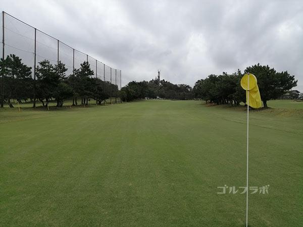 鎌倉パブリックゴルフ場の9番ホールの2打目