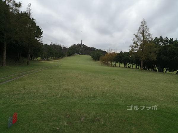 鎌倉パブリックゴルフ場の9番ホールのレディースティ