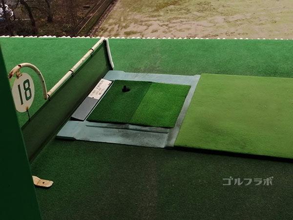 みずえゴルフガーデンのレフティ向けの打席