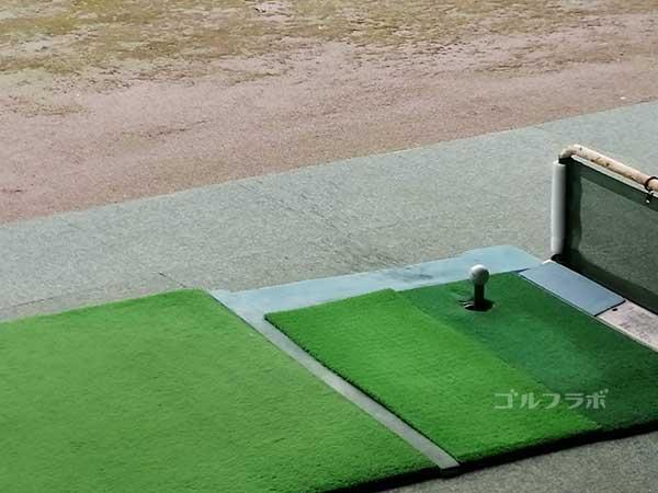 みずえゴルフガーデンの打席