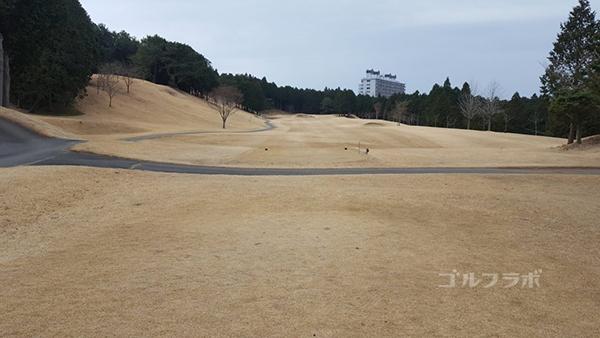 富士箱根カントリークラブの3番ホールのレディースティ
