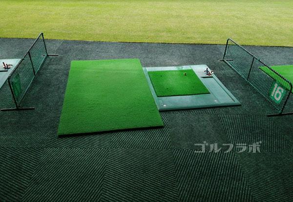 柳橋ゴルフ練習場の打席