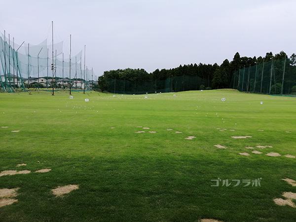 天川ゴルフ練習場のフェアウエイ