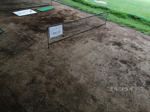天川ゴルフ練習場の打席