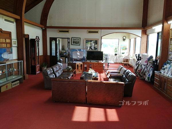 千代田ゴルフセンターのロビー