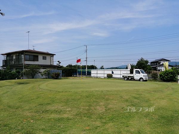 千代田ゴルフセンターのアプローチ練習場