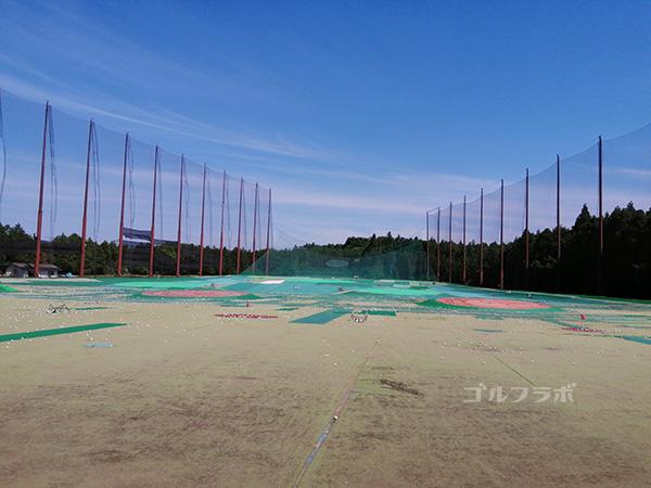 ダイヤゴルフセンター牛久のドライビングレンジ