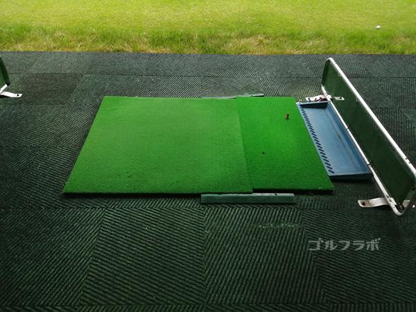原木中山ゴルフセンターの打席