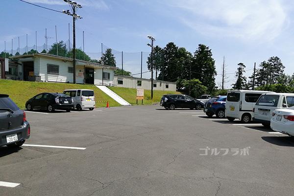 美浦ゴルフ練習場の駐車場