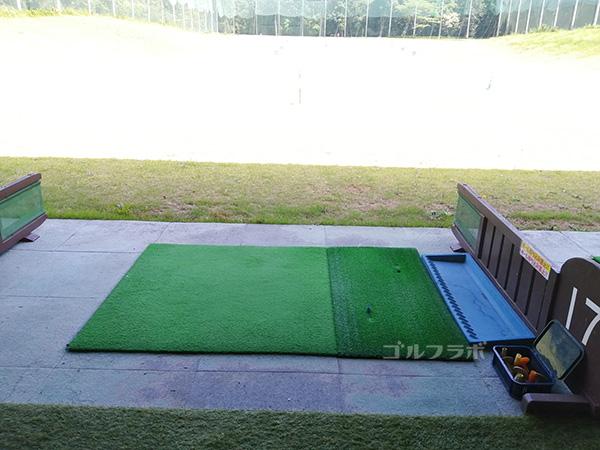 美浦ゴルフ練習場の打席
