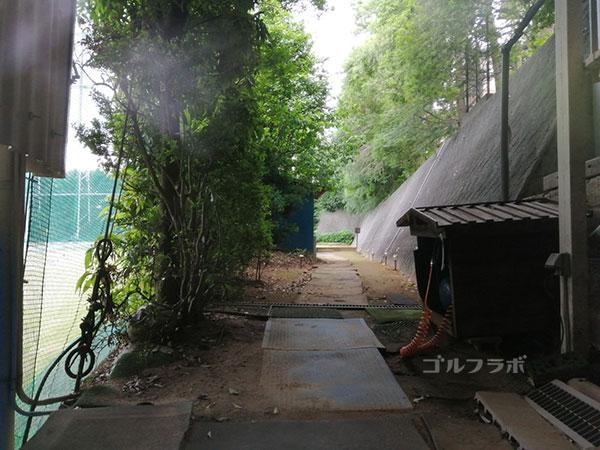 中山ゴルフセンターの裏口