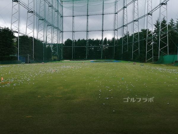 中山ゴルフセンターのドライビングレンジ