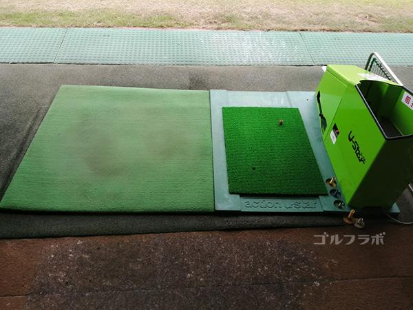 中山ゴルフセンターの打席