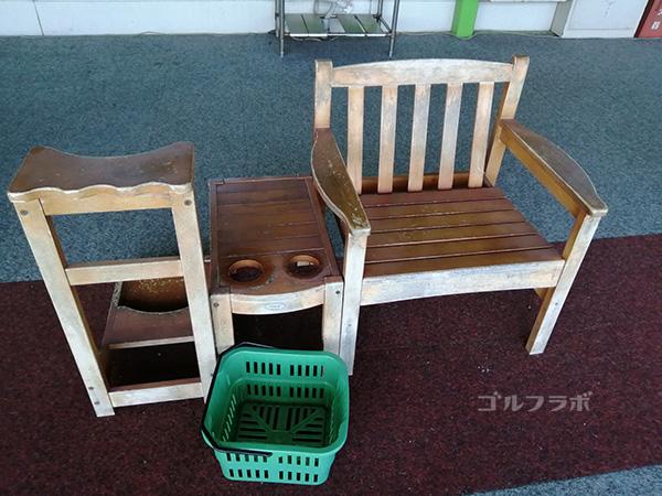 センチュリーゴルフの椅子