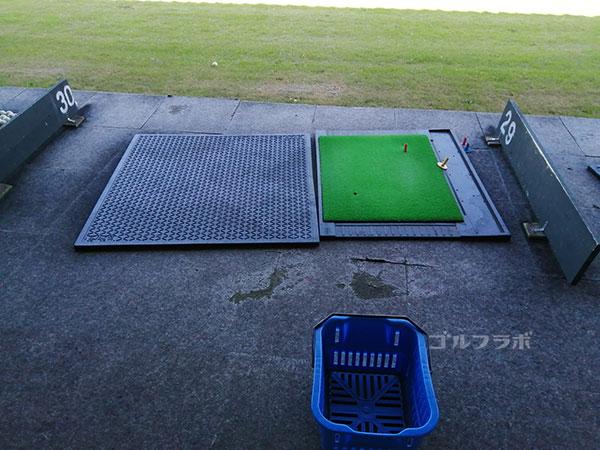 牛久ジャンボゴルフ練習場の打席