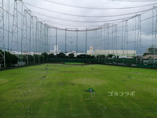 ニッケゴルフ倶楽部コルトンセンターのドライビングレンジ