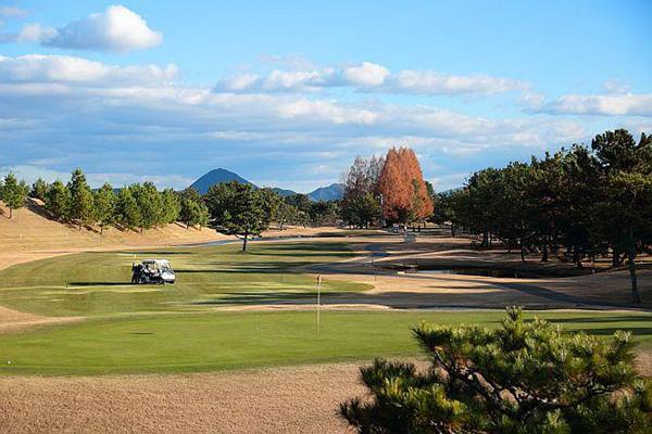 琵琶湖レークサイドゴルフコース