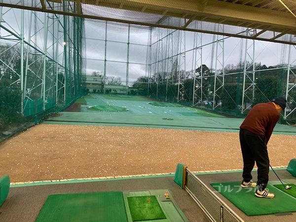 南野ゴルフの2F打席