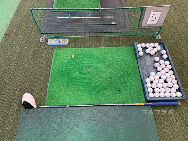 国立南ゴルフセンターの打席