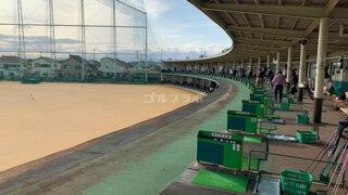 武蔵野ゴルフの2F打席